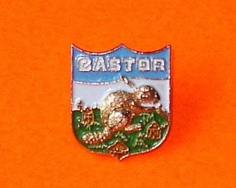 Castor Busy Beaver Alberta Canada Lapel Pin Vintage Souvenir Badge