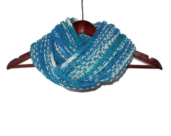 Blue and White Infinity Loop Wool Scarf - Warm Hand Knit Moebius