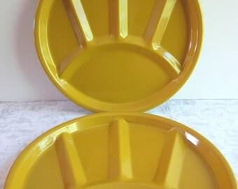 Set of 4 Harvest Gold Metal Enamelware Fondue / Divided Plates