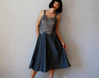 vintage 1950s SMOKEY GRAY lace scallop trim slip dress