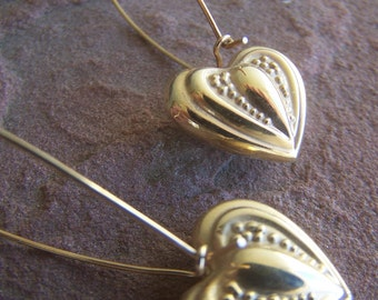 Vintage Jewelry, Gold plated Heart Dangle Earrings Late 1980s