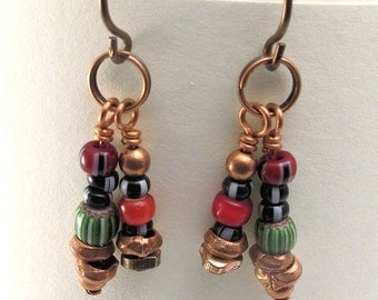 Price reduced - Earrings with African trade beads on copper