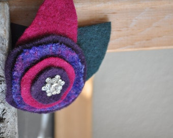 UPcycled Wool Felt Flower Brooch with Vintage Rhinestone Button - Purple and Fuchsia