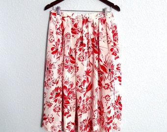 Silky Pleated Skirt Bold Print Elastic Waist fits most Medium