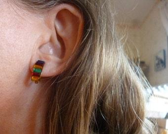 Vintage Rainbow Rhinestones Screwback Earrings
