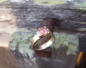 1.05 ct. Natural Pink Sapphire Ring with Baguette Diamonds in 14K gold