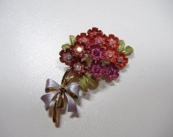 Flower bouquet Pin / Brooch with pink and fushia rhinestones and purple bow / Vintage pin / Autumn / gift / bouquet / mothers day