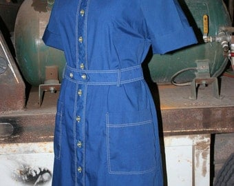 1970s Casual Navy Dress with Ivory Top Stitching - Day Dress - Work School Dress - Traditional Classic - Shirt Dress - Retro  - 38 Bust