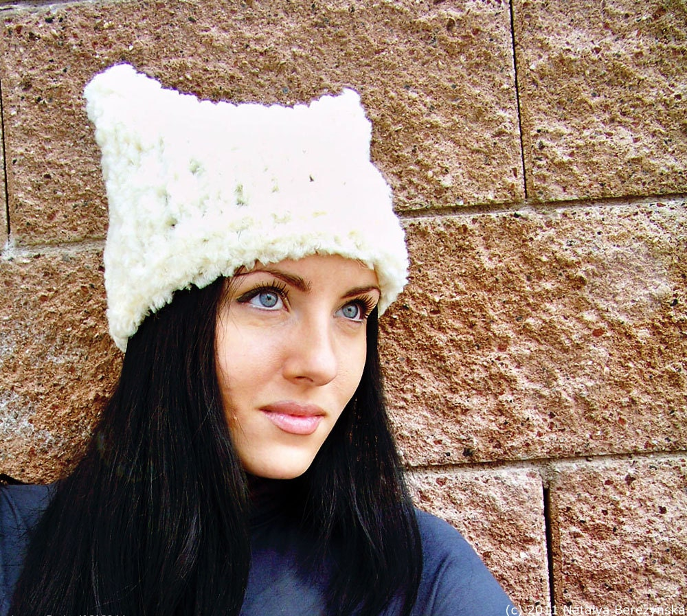 Knitting Pattern For Cat Hat : Knit Hat Pattern Knitting Patterns for Hats Chunky Knit Hat