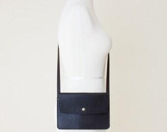 Minimal Leather Cross Body Bag, Minimal Everyday Bag, Small Leather Travel Purse, Minimal Leather Shoulder Bag, Small Leather Messenger Bag