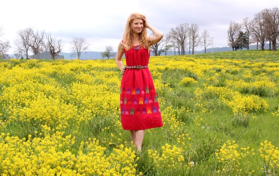 Vintage 70s Mexican Dress Hippie Boho Festival Ethnic Embroidered Long Midi Spring & Summer Natural Fashion One Size Fits All