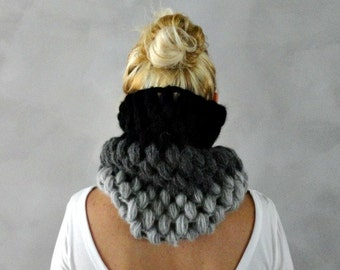 Chunky Cowl Scarf, Womens Cowl, Grey/Black, Infiniy Scarf, Gift for Her, Chunky Infinity Scarf, Gift for Woman
