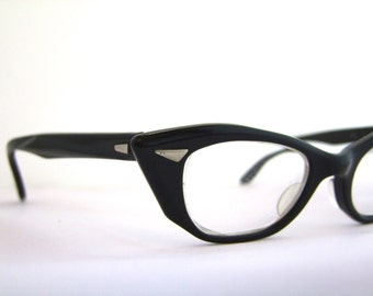 1950s Cats Eye Glasses // 50s Vintage Frames //  Black t-with case // Bausch and Lomb USA