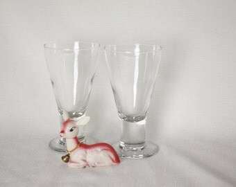Old fashioned Vintage Beer Glasses with pedestal Wonderfully weighted