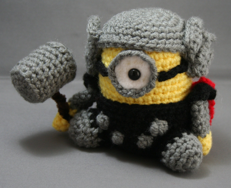 Minion Amigurumi Italiano : Crochet Amigurumi Toy Inspired by Minion Dresses as Thor