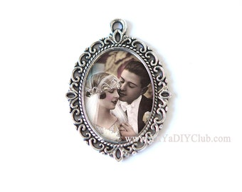 Custom Photo Bouquet Charm, Wedding Bouquet Charm, Victorian Style Bridal Charm, Bridal Bouquet Charm,  Memory Charm, Custom Photo Pendant