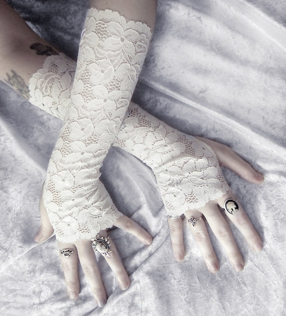 Fionn Lace Arm Warmers - Pale Ivory Floral - Wedding Bridal Off White Woodland Mori Girl Gothic Victorian Belly Dance Lolita Fetish Goth