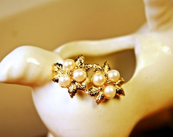 Pearl Clip Earrings, Retro, Gold, Pearl Cluster, Clips, Clip-ons, Pearls, Leaves, Dress Up, Formal, FREE US Shipping