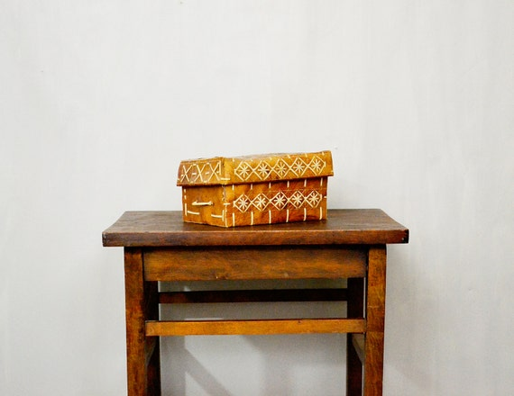 20 PERCENT OFF Code: 20FOR17 > 1800's Peruvian Deer Animal Skin Hide Laced Box