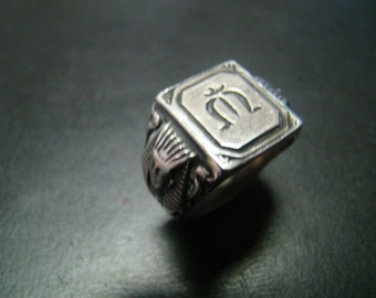Amazing Sterling Silver Egyptian style crest ring