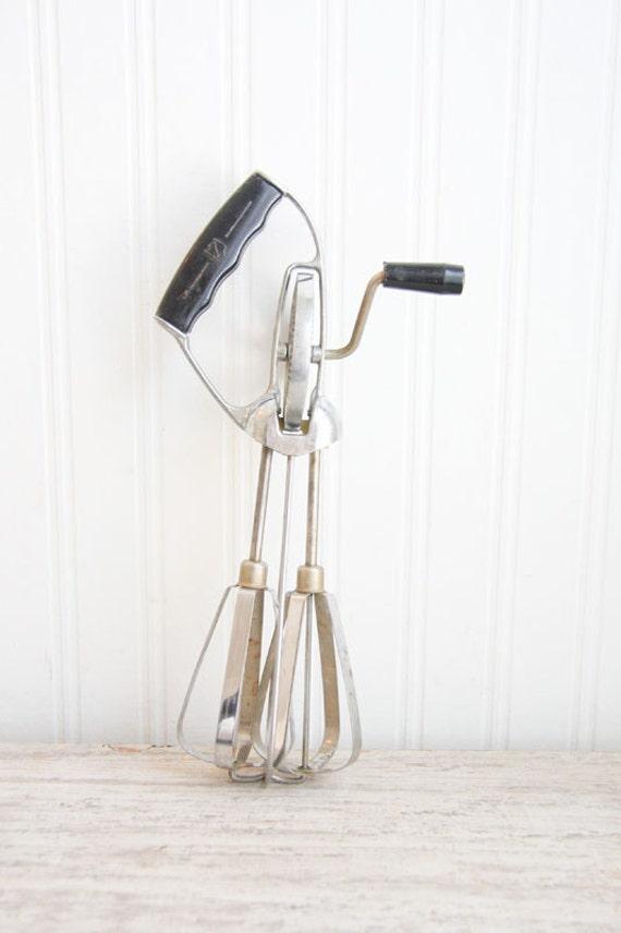 Retro Hand Mixer, Egg Beater, Double Whisk, Vintage Mixer, retro Kitchen, Metal, Black, Kitchen Gadget, Vintage Kitchen, USA stainless steel