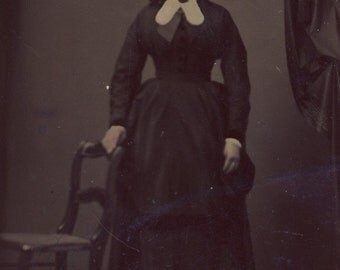 Woman in Wonderful CIVIL WAR Era DRESS Tintype Photo Circa 1870