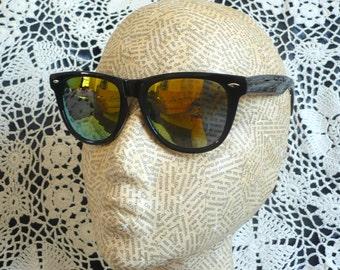Rainbow Reflective Lens Mirror Wayfarer Style Grunge Sunglasses