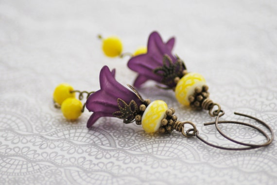 Purple Flower Earrings, Purple and Yellow Earrings, Antique Brass Vintage Style, Lucite Flower Earrings, Gift for Her, Free Shipping