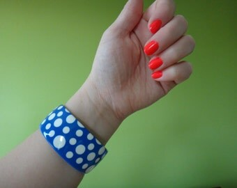 Vintage Polka Dot Bangle // Blue and White Retro Bracelet