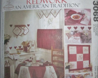 McCalls 3068 Apron Table Cloth Wall Quilt Placemat Napkins with Rings Cafe Curtain Valance Potholds Hand Towel Sewing Pattern