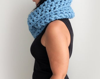 Serenity Blue Chunky Infinity Scarf, Light Blue Crochet  Fashion Accessories