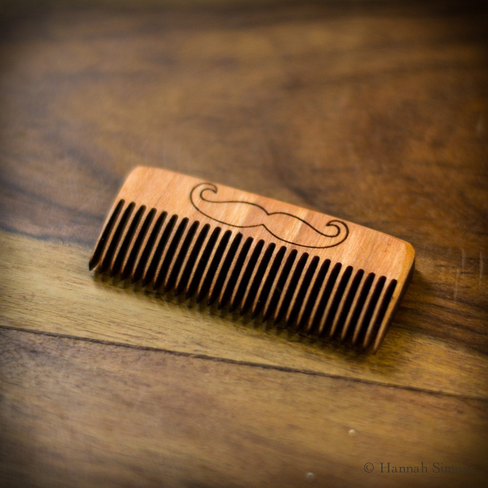 how to clean your beard comb
