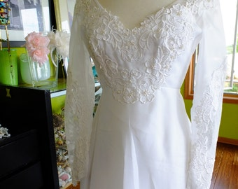 Vintage wedding dress 1970s victorian inspired lace appliques