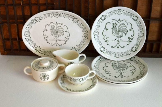 Vintage Scio Pottery Provincial Rooster Pattern Dinner Plates