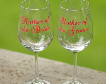 Personalized Mother of the Bride or Groom gift wine glass, wedding gift for parents.  Hot pink and black or you pick colors