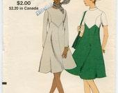 1970s Vintage Sewing Pattern Vogue 7915 Misses A-Line Dress Pattern Bust 31.5 UNCUT