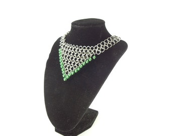 Renaissance Jewelry Chainmaille Necklace With Emeral Green Glass Beads
