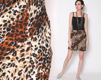Vintage 90s Animal Print loose fit High Waist Shorts with Hip Pockets