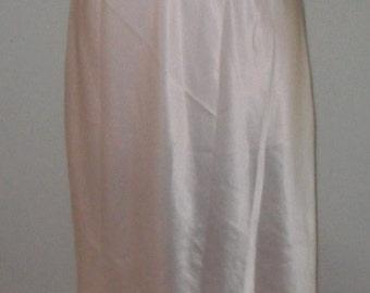 Vintage Half Slip Maidenform Medium Chantilly Pink