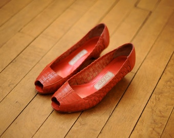 Vintage 80s Red Woven Leather Peep Toe Shoes with Heels, Womens 5 1/2 / ITEM062