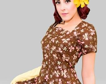 Vintage 1950s Dress /  50s Novelty Print Dress / Vintage 50s Butterfly Print  Day Dress / Viva Las Vegas