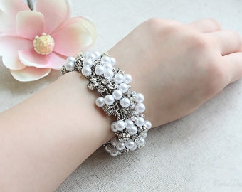 Elegant Swarovski Crystal & Pearl Bracelet
