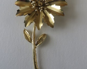 Large Vintage Goldtone Flower Brooch