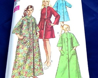 Retro Fashion Vintage 1969 Simplicity Pattern 8510 Misses Robe in 2 Lengths  Size Small 8-10  Bust 31 1/2 - 32 1/2
