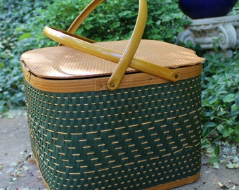 Vintage Wicker Picnic Basket- Dark Green and Brown- Small Basket with Inner Tray
