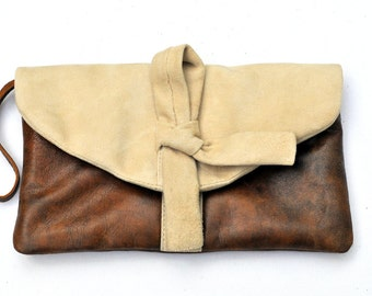 ALIKA. Brown leather clutch / leather wristlet / brown leather bag / brown leather wristlet / purse. Available in different leather colors.