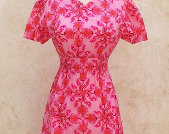 Vintage 60s Dress  -  Pink Floral Brocade   -  Cap Sleeves  -  Womens Size Small