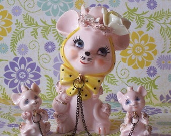 Vintage Spaghetti Mother Mouse and 2 Babies on Chain