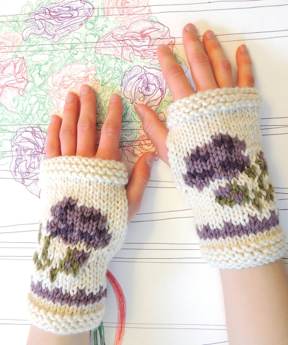 Intarsia Knitting Patterns : KNITTING PATTERN: Intarsia Rose Fingerless Gloves Knitting
