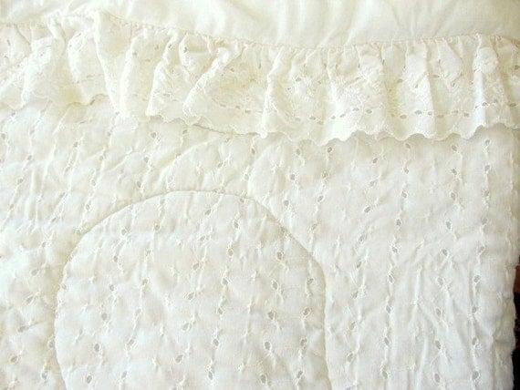 Resrved Vintage White Eyelet Lace Ruffled Duvet 90 X
